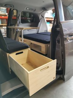 Turn your minivan with the Roadloft Camper Conversion Kit in just a few minutes without any permanent modification. Minivan Camper Conversion, Suv Camper, Mini Camper, Camper Life, Honda Odyssey, Odyssey Van, Honda Element Camping, Minivan Camping, Stealth Camping