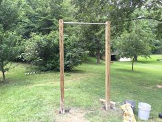 Building a DIY pull up bar for your backyard or garage gym is an easy and relatively cheap Saturday project. #DIYPullupBar #Fitness #FitnessHQ