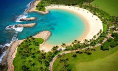 Discover some of the best activities and things to do on Oahu. From Ko Olina down to Honolulu, plan an amazing Hawaiian vacation. Oahu Vacation, Dream Vacations, Vacation Spots, Oh The Places You'll Go, Places To Travel, Places To Visit, Best Beaches For Kids, Fjord, Hawaiian Islands