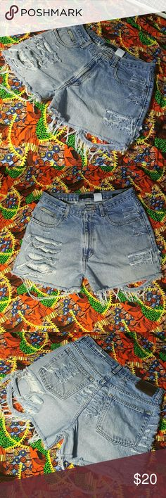 DISTRESSED DENIM SHORTS !!!! - HANDMADE .  - New but no tag . - size 32 ( 12-14 ) - SAME DAY SHIPPING unless bought after 5pm . - ALL items are washed before shipping .   Follow me ! New items posted weekly??  If you have any questions or want to place a custom order , contact me on here or email me at destineebryant24@gmail.com .  Tags : chokers , band shirts , rolling stone shirts , guns n roses , kiss , custom , vintage , distress , highwaisted denim , crop tops , summer . Shorts Jean…