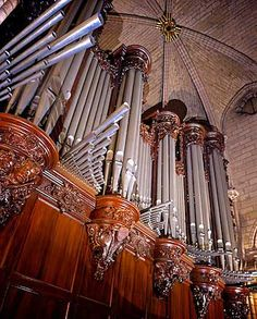 Sacred Architecture, Religious Architecture, Church Architecture, Notre Dame France, Organ Music, French Horn, Cathedral Church, Historical Photos, Musical Instruments