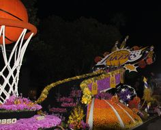 Los Angeles Lakers won Judge's Special Trophy. Most spectacular in showmanship and dramatic impact. Paradiso Parade Floats