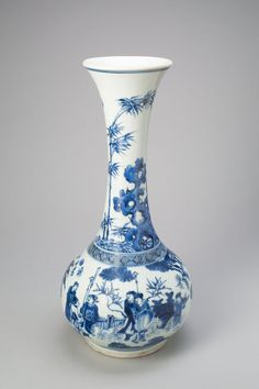 Bottle-Shaped Vase with Figures in Garden, Ming dynasty (1368-1644), Chongzhen period (1627-1644)