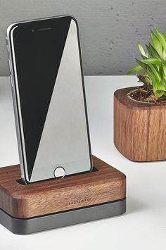 Grovemade walnut iPhone 6 dock