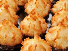 Biscuits Archives - Page 5 sur 7 - Pause Gourmande Macaroon Recipes, Dessert Recipes, Healthy Hanukkah Recipes, Hanukkah Food, Passover Recipes, Anna Olson, Biscuit Cookies, Toasted Coconut, Goodies