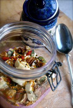 Lente-ontbijt met fruit en superfoods