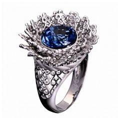 Ring in white gold with diamond and blue topaz by Carrera y Carrera