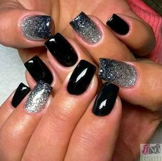 Black nail polish with sparkles Evening dress nails Fashion nails 2016 Glitter nails Gradient nails 2016 Luxurious nails Medium nails Rich nails New Year's Nails, Love Nails, How To Do Nails, Nails 2016, Fabulous Nails, Gorgeous Nails, Pretty Nails, Silver Nail Designs, Simple Nail Art Designs