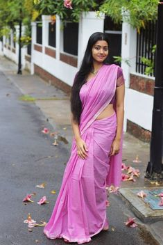 Who Is Pink, Saree Tassels Designs, Cute Beauty, Sexy Bra, Pink Color, Colour, Indian Actresses, Sari, Beautiful