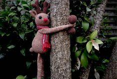 Ravelry: Christmas Hugging Reindeer pattern by Hooked on Sunshine Reindeer, Snowman, Christmas Fun, Christmas Ornaments, Burlap Wreath, Garden Sculpture, Sunshine, Crochet Patterns, Ravelry