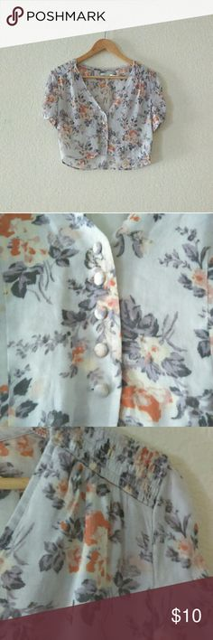 Kimichi Blue UO Floral Top Super cute Kimchi Blue Urban Outfitters floral top in great condition. Urban Outfitters Tops