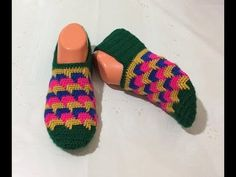 YouTube Crochet Shoes, Crochet Slippers, Sock Shoes, Baby Shoes, Crochet Market Bag, Goods And Services, Knitting Socks, Arm Warmers, Sewing