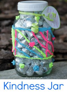 Kindness Jar Activity for Kids! Book to read and free printable for jar in the post so the recipient can pay it forward too! #actsofkindness