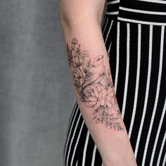 Bird Tattoos For Women, Tiny Tattoos For Girls, Sleeve Tattoos For Women, Mom Tattoos, Body Art Tattoos, Mockingbird Tattoo, Robin Tattoo, Bluebird Tattoo, Feminine Tattoos