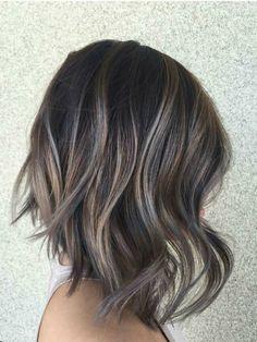 Ideje za sve brinete: unesite boje duge u vašu kosu