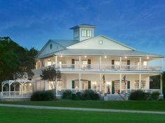 10 Best Bed and Breakfasts Near Fredericksburg, Texas (with Prices & Photos) - TripsToDiscover Best Bed And Breakfast, Fredericksburg Texas, B & B, Mansions, Country, House Styles, Photos, Wedding, Home Decor