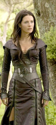 Finally made it to Kahlan Amnell. This woman is so beautiful and so powerful that people should just fall to her feet by just looking at her...