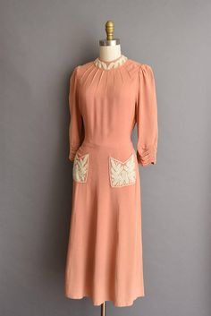 vintage 40s dress. vintage 1940s peach rayon crepe dress