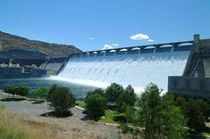 The Grand Coulée Dam, Washington. This dam is mind-boggling huge.