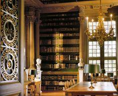 Private library/ lov it