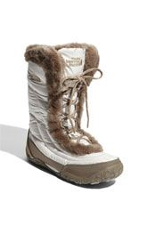 Oooo I want these to play in the snow in!