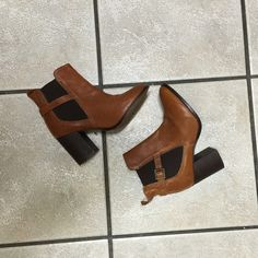 Topshop Heeled Ankle Booties Topshop ankle booties with stretch sides and blocked heels. Gorgeous color. Gently used, bottoms are pictured. Other than that, condition is still good. Fits 5.5. 3 inch heel Topshop Shoes Ankle Boots & Booties
