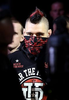 Dan Hardy, winning or losing he always come to fight! And he is actually a really smart person outside the cage