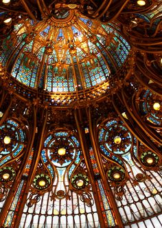 I do stained glass projects from time to time and really enjoy them.but nothing as grand as the dome at Galeries Lafayette in Paris! Stained Glass Projects, Stained Glass Art, Stained Glass Windows, Amazing Architecture, Art And Architecture, Architecture Details, Art Nouveau, Monuments, Galeries Lafayette