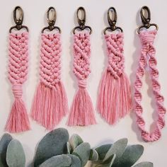 New items in my shop Macrame Bag, Macrame Knots, Micro Macrame, Rope Crafts, Yarn Crafts, Macrame Projects, Crochet Projects, Macrame Wall Hanging Diy, Diy Keychain