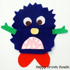 Totally Tots: Math Ideas for If You're a Monster and You Know It ~ Once Upon a Book Holidays Halloween, Halloween Kids, Halloween Party, Preschool Letter M, Preschool Math, Art For Kids, Crafts For Kids, Kids Fun, Make Your Own Monster