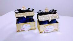 Baú dourado Pequeno Príncipe decorado com coroa dourada