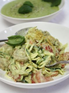 You have to try this creamy zucchini pasta that will definitely be a family favorite!