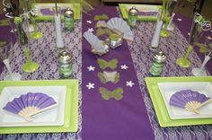 Décoration de table (vert / mauve) -- www.le-geant-de-la-fete.com @legeantdelafete #deco #table #inspiration  #decoration #bougie #mauve #éventail #papillon #butterfly