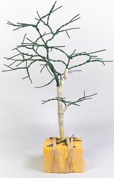 TrainScape: Árbol de alambre. Wire Art Sculpture, Plantas Bonsai, Model Trains, Arts And Crafts, Trees, Flowers, Crochet Baby Socks, Wire Trees, Cardboard Kitchen