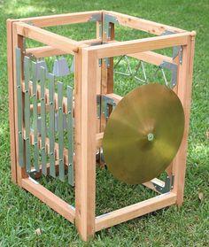 La experiencia del último patio musical al aire libre: nuestra estación de música cubo completo de cedro naturalmente resistentes a la pudrición. ¡Deje volar su imaginación juega! Esta de una estación de buena música al aire libre cuenta con un gran xilófono, triángulos, cencerros y un címbalo. También se incluyen tres mazos, triángulo tres huelguistas y los titulares de cada uno. Los marcos se conectan para formar el cubo mediante un pasador de bloqueo y suspensión, como se muestra en la…