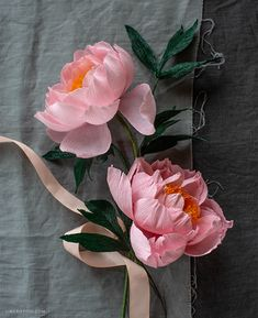 Member Make Live Tutorial: Crepe Paper Coral Supreme Peony - Lia Griffith Making Tissue Paper Flowers, Crepe Paper Flowers, Flower Making, Fabric Flowers, Diy And Crafts, Crafts For Kids, Paper Crafts, Peony Flower, Diy Flower