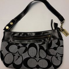 Designer Coach Bag Beautiful traditional Coach fabric and design. Coach metal tag and label imprint on metal. Inside Bag, Designer Handbags, Coach Bags, Couture Bags, Designer Purses, Coach Purse