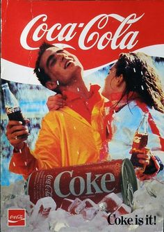 Cartel publicitario de Coca-Cola, año 1985.  But why is she trying to kill him?