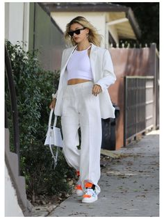 Look Street Style, Casual Street Style, Street Style Women, Casual Chic, Street Styles, Celebrity Style Casual, Sporty Chic, Work Casual, Street Chic