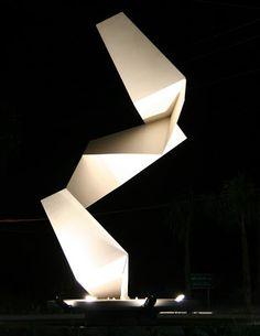 Hernán Guiraud: esculturas monumentales, de Tigre a Florencia. - MUNDO NORTE