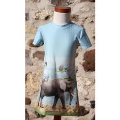 Border Animals, tricot van Stenzo met randpatroon van dieren. Jurk Noelle maat 104.