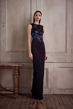 http://www.style.com/slideshows/fashion-shows/pre-fall-2015/pamella-roland/collection/3