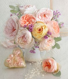 Marianna Lokshina - Bouquet of Austin - Gardening Gazette Beautiful Flower Arrangements, Romantic Flowers, Amazing Flowers, Beautiful Roses, My Flower, Silk Flowers, Flower Power, Floral Arrangements, Beautiful Flowers