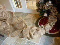 Burlap Garland Tutorial I saw burlap garland on Pinterest a few weeks ago and decided to try and figure out how to make it. It's...