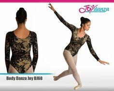 Body danza per adulta a manica lunga modello Joy, realizzato in un tessuto broccato lavorato su una rete bielastica. Il disegno della stoffa potrà variare nella posizione a seconda del taglio stoffa e dalle misure della ballerine. www.joydanza.it