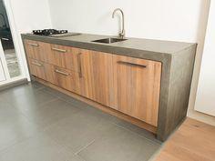 Projecten - HoutCuisine Mooie eikenhouten keuken met betonnen blad.