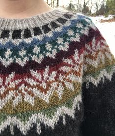 Adding Short Rows to Yoke Sweaters – Knitting and Crochet techniques from the Berroco Design Team Knitting Short Rows, Double Knitting, Icelandic Sweaters, Fair Isle Knitting, Yarn Shop, Sweater Knitting Patterns, Knitting Projects, Knit Crochet, Couture