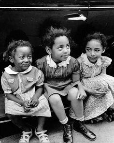 Three girls, Harlem, New York, 1940