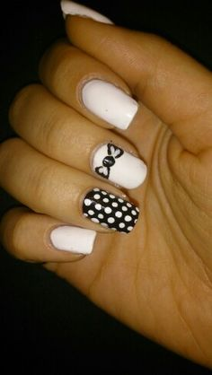 Polka dots white and black