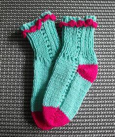 PONOŽKY MILA 006 - ponožky dětské - pro děti - tyrkysové s patou a špičkou do pestré růžovovínové - ručně pletené - bavlněné